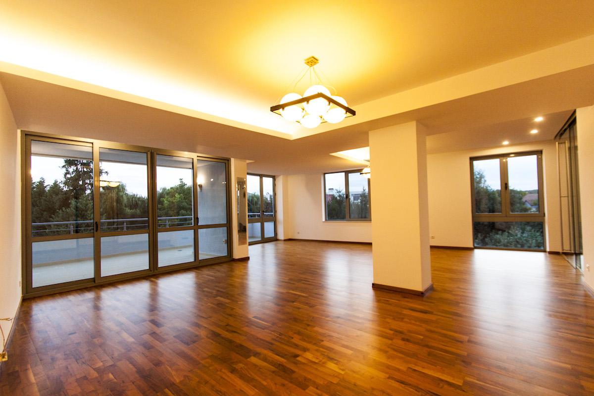 Apartament 4 camere Iancu Nicolae